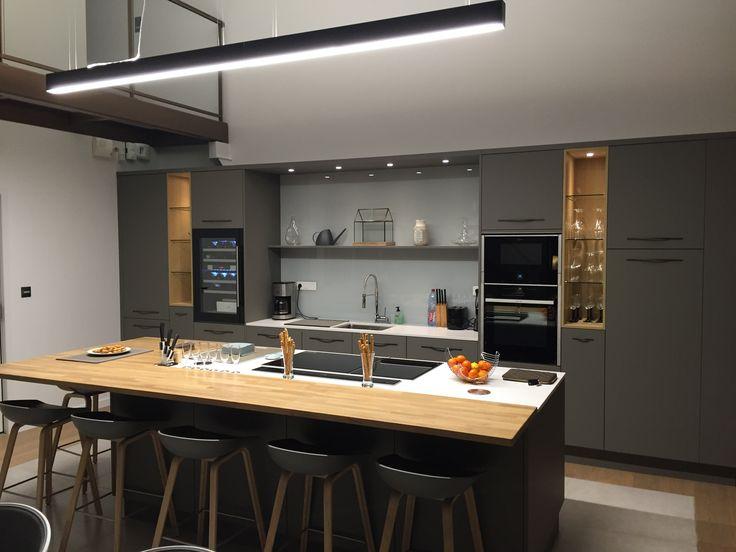 Ilot central cuisine pour manger cuisine ilot design for Tabouret de comptoir costco