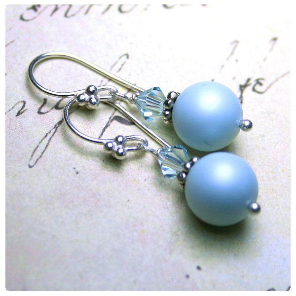 Fülbevaló inspiráció #Swarovski Crystal Round gyöngyökbőj #PASTEL #BLUE színben, és Xilion Bicone gyöngyökből.