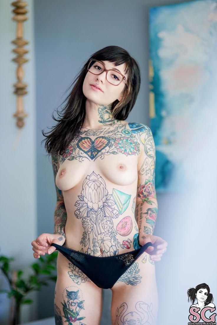tattooed girls porn pics