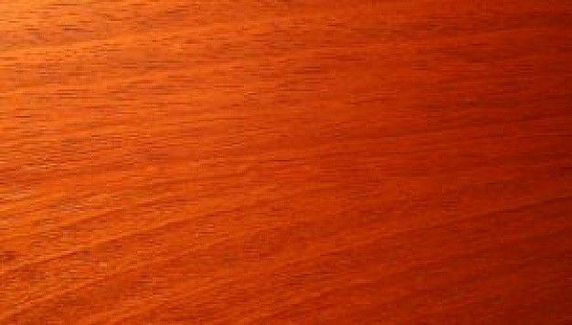 El cerezo es una madera dura de grano recto y textura fina, con colores que van del rosa cremoso al marrón rojizo. Se trata de una madera que puede ser tanto nacional como de origen americano. El cerezo es una madera muy apreciada para los trabajos de ebanistería de interiores.