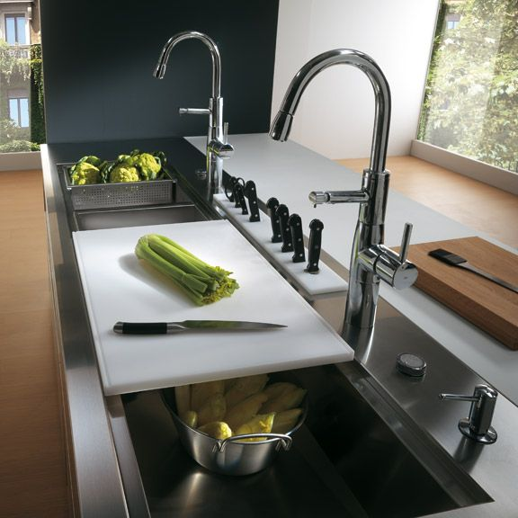 Contemporary Stainless Steel Kitchen Cabinets – Elektra Plain Steel by Ernestomeda | DigsDigs