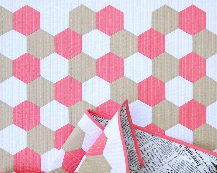 Tutorial: Machine Piecing Hexagons | © Red Pepper Quilts 2017