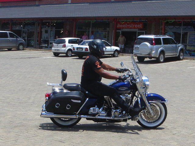 Sipho Mndebele at The Hat & Creek #B5HD #Hoedspruit