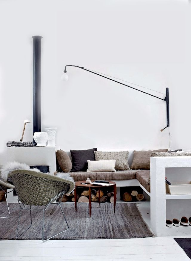 fireplace corner couch neutrals- Maison de charme en baie de somme. barefootstyling.com