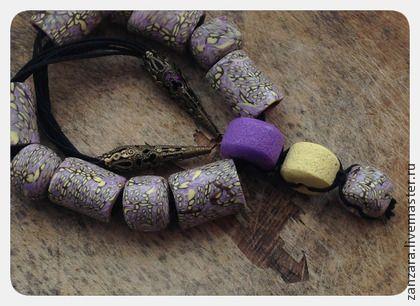 Колье из полимерной глины. Бусы из полимерной глины покрыто лаком. Колье на шнурке, фурнитура под бронзу  Изготовим под заказ в любой цветовой гамме.