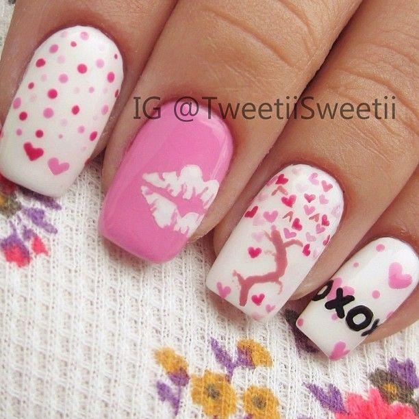 Heart kiss nails.  Photo by tweetiisweetii