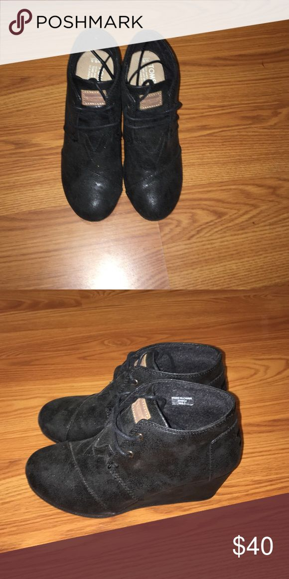 Women's TOMS wedges. Women's, black TOMS wedges. Very comfortable. In great condition. Size 6.5. TOMS Shoes Wedges