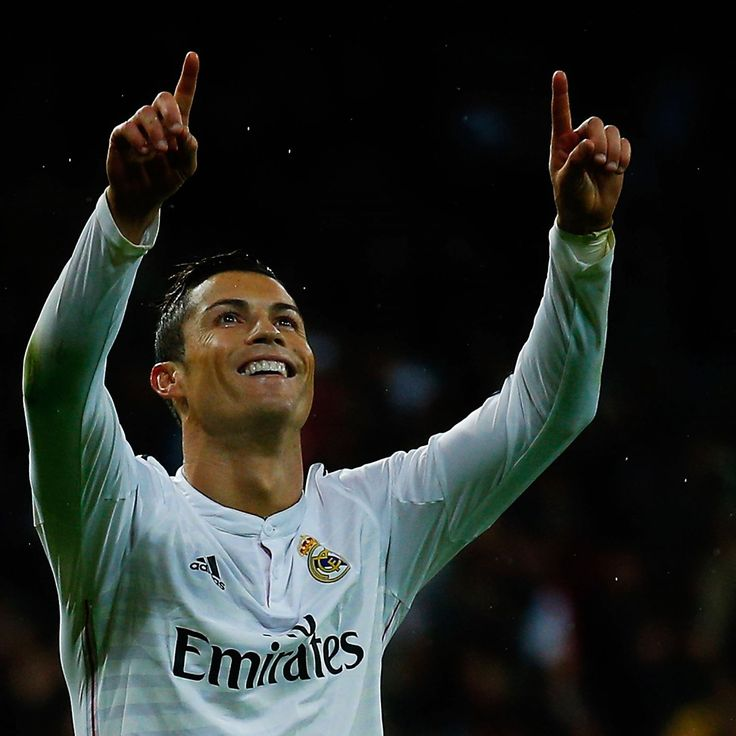 Manchester United tried to sell  Cristiano Ronaldo  to preferred club Barcelona rather than Real Madrid according to former Los Blancos president Ramon Calderon...