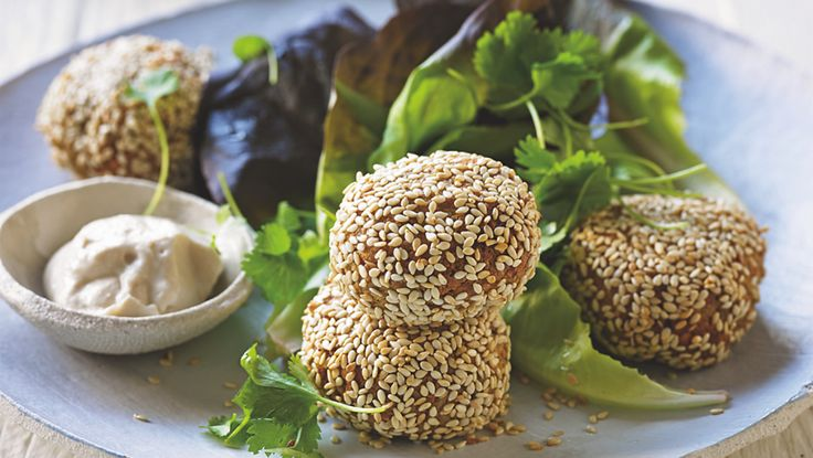 Vegan Falafel Recipe  #vegan #veganrecipe #veganfood #veganfoodshare #recipeshare #veganblog #sproutmarket #plantbasedcooking #veganfalafel #falafel