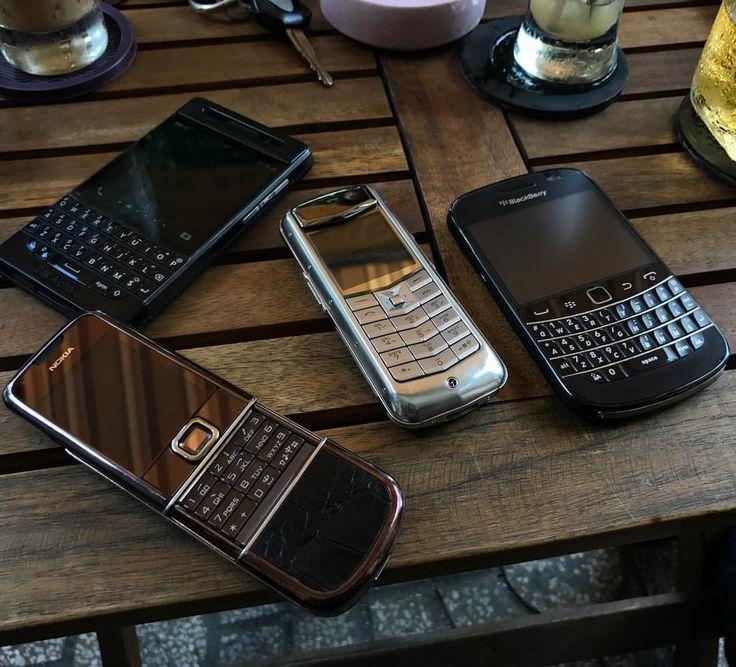 #inst10 #ReGram @_harrytri_: New year new fun #nokia #vertu #blackberry #devalphac #9900 #8800 #luxury  #BlackBerryClubs #BlackBerryPhotos #BBer #OldBlackBerry #RIM #QWERTY #Keyboard #BlackBerryBold #Bold
