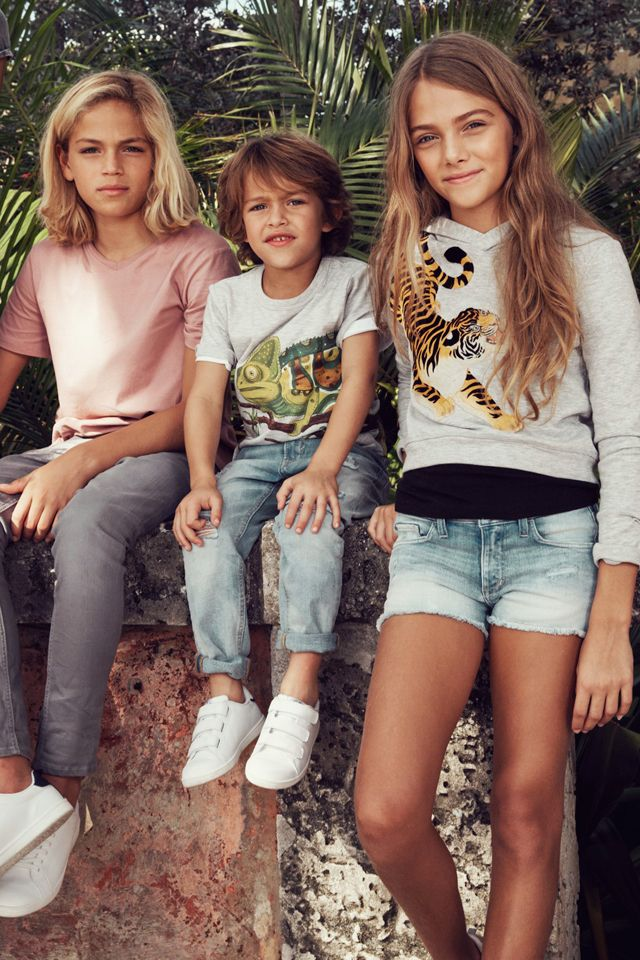 Join us on a sunny expedition of Spring style with wild animals, bright colors and comfy-cool jersey! | H&M Kids