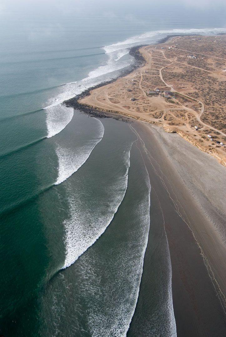 Scorp   going off.Pretty Pattern, Perfect Waves,  Dyke,  Dike, California, Half Moon Bays, Scorpion Bays, Waves Pattern, The Waves