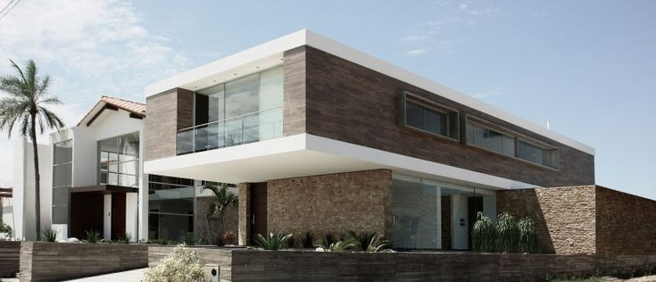 C House by Sommet & Asociados