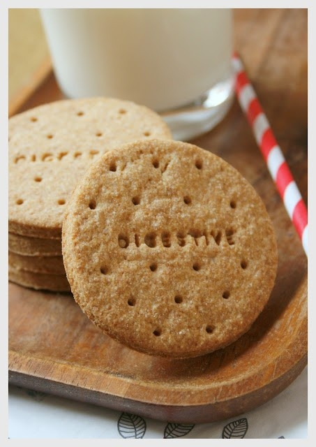 Galletas Digestive (sin azúcar) Digestive Cookie Recipe, Digestive Cookies, Cookie Recipes, Dessert Recipes, Desserts, Cookies Light, Tea Biscuits, Sugar Free Cookies, Cookie Crumbs