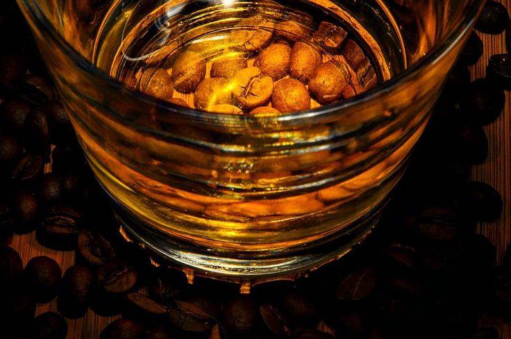 n8 und schönes Wochenende #micha #greenape #speyer #rheinlandpfalz #dorit #alex #cloppenburg #löningen #niedersachsen #foto #photo #coffee #beans #kaffeebohnen  #whisky #whiskey #glas #enjoy #n8 #nacht #makesyourlifebetter
