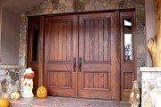 Фото 13 Двери деревянные входные (45 фото): стильное и надежное решение для любого помещения