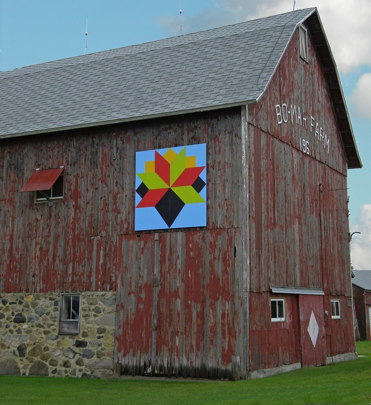 Quilt Patterns On Wisconsin Barns : 636 best images about Barn Quilt Signs & Barns on Pinterest Tennessee, Barn quilt patterns and ...