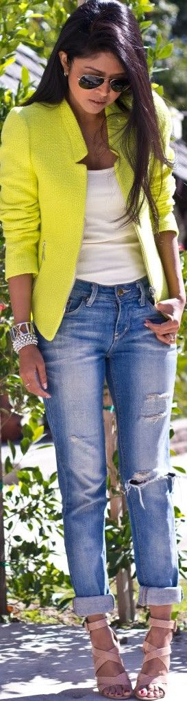 casual but dressed up with the pop of neon. fab.