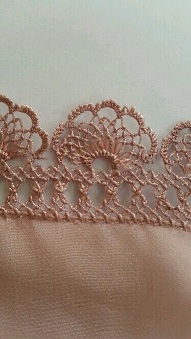 ♡ This is beautiful!  Unfortunately, there aren't any instructions, but if you look closely, I'm pretty sure it's crochet, and not too hard to follow. I love how they frayed on part to give this edging a completely different look! Genius! ♥A***Anyone know if this is OYA LACE?