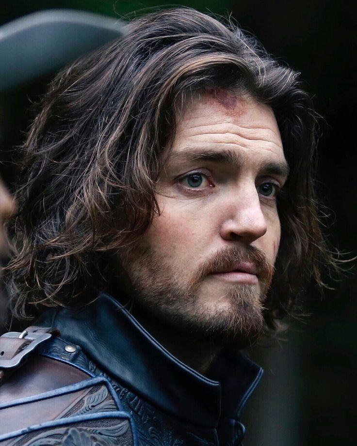 """El mosquetero Athos de la serie """"The Musketeers"""" (Los mosqueteros) ♡♡♡"""