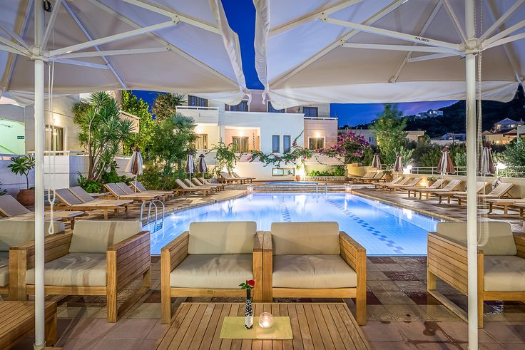 Grab a beverage from the Valentino Pasta & Grill restaurant and head to the pools to enjoy your drink under the stars by the water. How relaxing! https://www.oscarvillage.com/hotel-pools  #Oscar #OscarHotel #OscarSuites #OscarVillage #OscarSuitesVillage #HotelChania #HotelinChania #HolidaysChania #HolidaysinChania #HolidaysCrete #HolidaysAgiaMarina #HotelAgiaMarina #HotelCrete #Crete #Chania #AgiaMarina #VacationCrete #VacationAgiaMarina #VacationChania