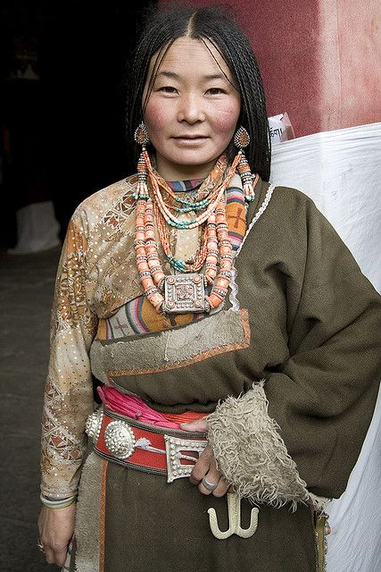 Tibetan woman.Face, People Tibet, Ethnic People, Tibetan Woman, Jewelry Tibet, Diver People, Lhasa Tibet, Beautiful People, Culture