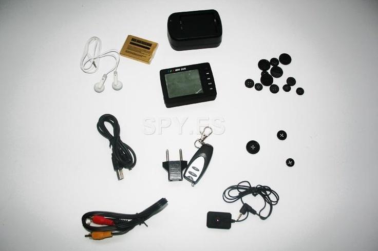 DVR, mini cámara y mando a distancia    :  http://spy.es/mini-camaras/69/  Esta cámara escondida detrás de un botón de una prenda de vestir se puede grabar audio y vídeo con sólo pulsar un botón del mando a distancia. Hay un sensor de movimiento incorporado que puede se activa automáticamente la grabación. La cámara es extremadamente pequeño: 34x22x15mm. Y puede disparar con una iluminación mínima 1.5Lux.