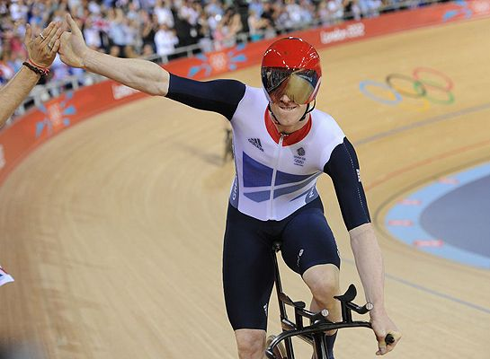 Ed Clancy - Ed Clancy produces personal best in 4km pursuit to move into second in omnium at London Olympics