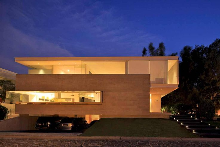 Building of the day - Godoy House Zapopan, JAL, Mexico by Hernandez Silva Arquitectos http://www.archdaily.com/166055/godoy-house-hernandez-silva-arquitectos