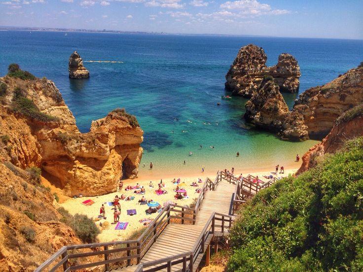 Praia do Camilo, em Lagos, na região de Algarve - Portugal