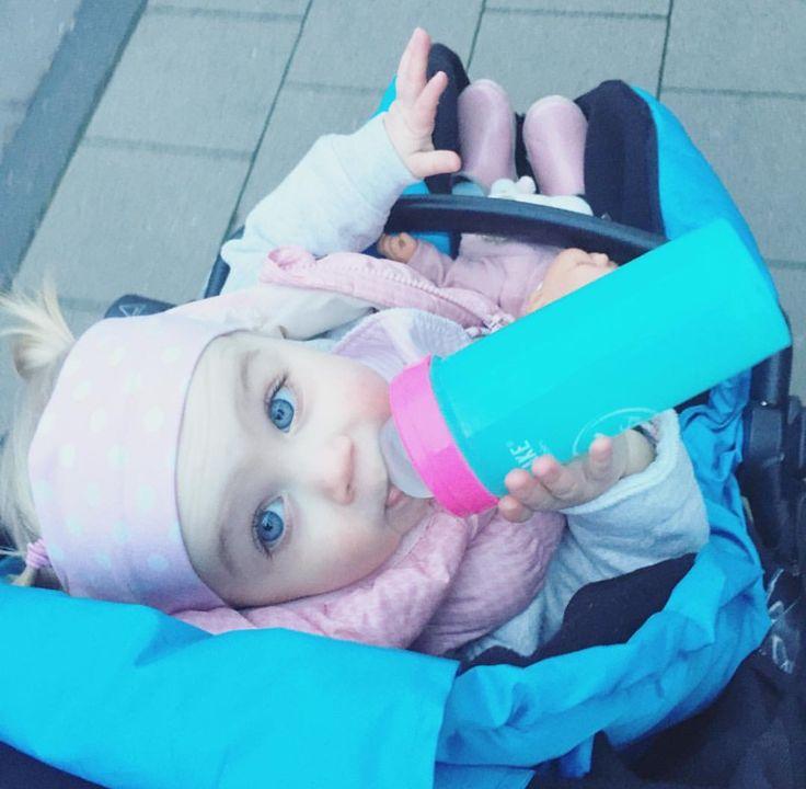 Time for a walk!  #twistshake #babygirl #cute #twistshakesleepyhead