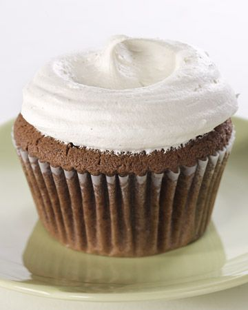 Easy Chocolate Cupcakes with Vanilla French Buttercream