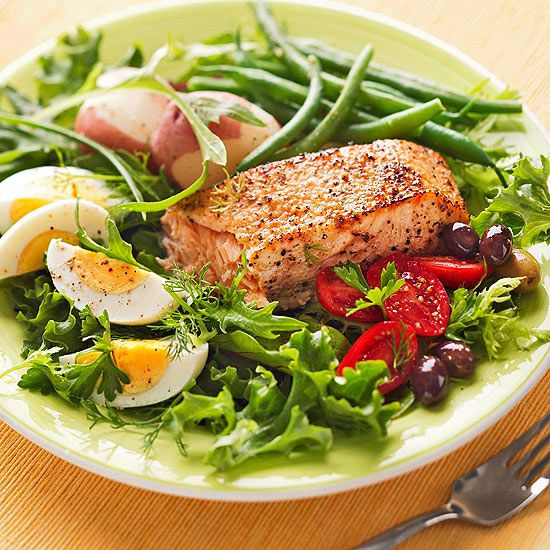 This Grilled Salmon Salad Nicoise is a simple way to serve a tasty and nutritious dinner. More salad recipes: http://www.bhg.com/recipes/healthy/dinner/healthy-salad-recipes/?socsrc=bhgpin091513salmonsalad#page=12