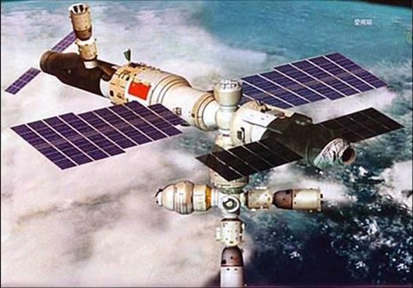 From : SPACE.com - Article : Leonard david; Space Insider Columnist - credit : China Manned Space Engineering Office * China's Spaceflight Success Sets Stage for Big Space Station * - An artist's depiction of China's first space station, a 60-ton orbital complex, after its assembly is complete in 2020 -