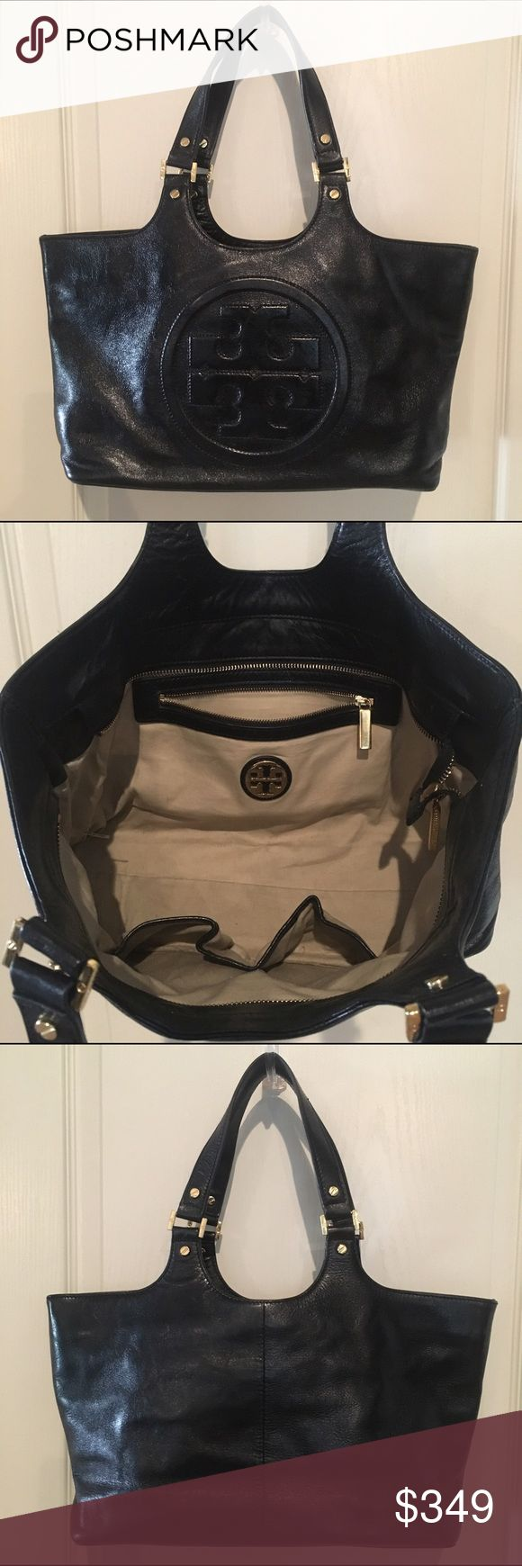 TORY BURCH 'BOMBE' BLACK LEATHER HANDBAG EUC TORY BURCH 'BOMBE' BLACK LEATHER ZIPPER HANDBAG EUC ❤️ Pre-Loved with lots of life left ❤️ NO DUST BAG • NO BOX • NO TRADES 🚫 Tory Burch Bags