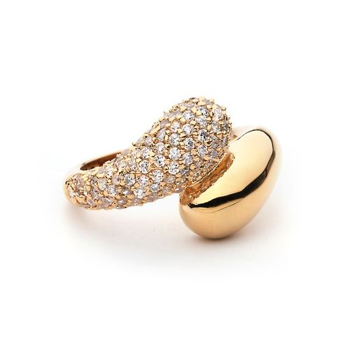 Regal Ring with Cubic Zirconia
