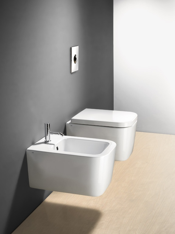GSI ceramic | Traccia, wall-hung wc and bidet 50x35  #GSIceramica #BathroomDesign #Sanitaryware