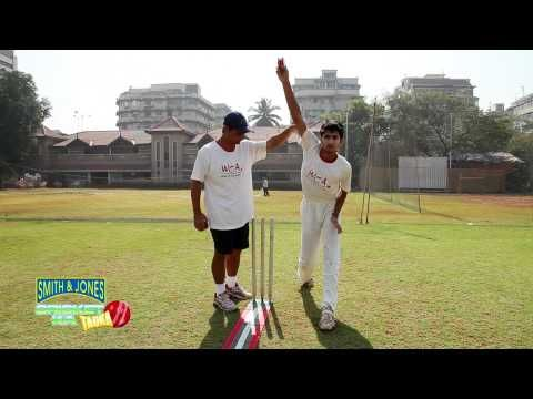 Cricket Practice: Fast bowling - (More info on: http://1-W-W.COM/Bowling/cricket-practice-fast-bowling/)