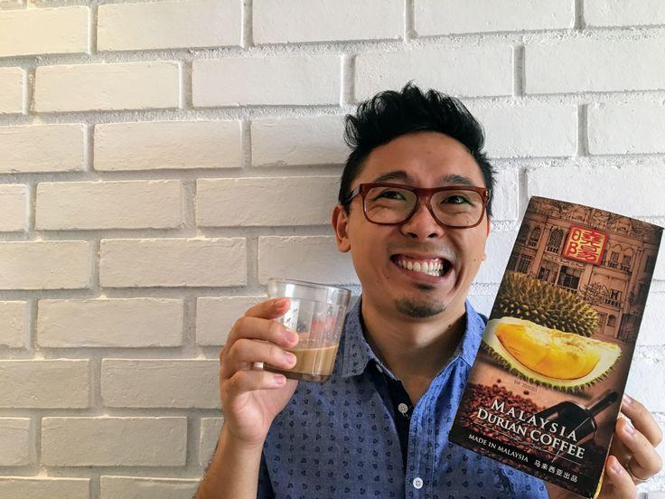 O duryan é conhecido como a fruta mais fedida do mundo. Lá na Malásia, onde é considerada uma iguaria, é feito um café com a fruta. Nós provamos e contamos para vocês se dá para encarar.