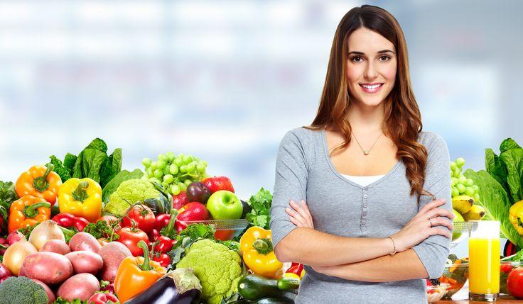 Seguir una alimentación equilibrada basada en la dieta mediterránea, puede disminuir nuestro riesgo cardiovascular hasta un 30%. Una dieta rica en productos vegetales ayuda a reducir los niveles de colesterol, la posibilidad de padecer diabetes e incluso un infarto.