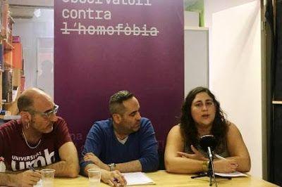 Colectivos LGTBI denuncian que la homofobia sigue siendo gratuita en Cataluña. El Periódico, 2017-09-27 http://www.elperiodico.com/es/sociedad/20170927/colectivos-lgtbi-denuncian-que-la-homofobia-sigue-siendo-gratuita-en-cataluna-6315425