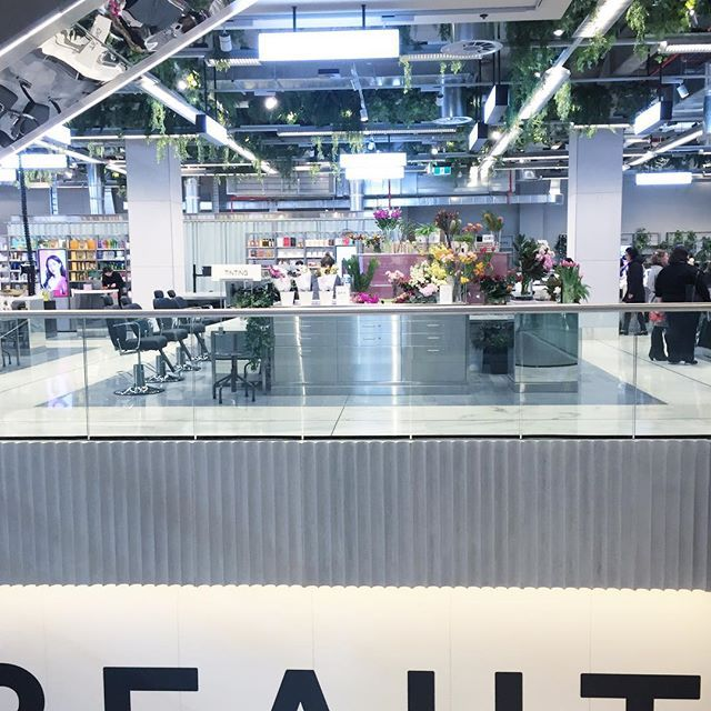 I'm still obsessed with the @canberracentre's new beauty precinct; especially the beautiful @3ina, @thefloralsociety_canberra and @meccamaxima spaces. What little gems have you picked up from there so far? #littlelistofmine #beautyredefined