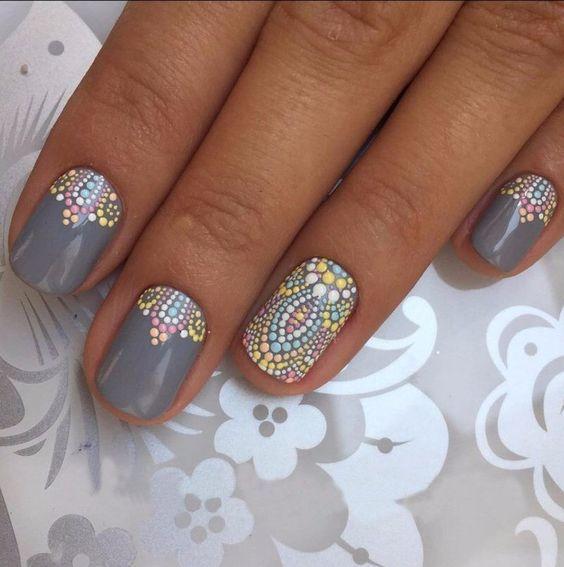 Свадебный многоцветный (мультицветный) маникюр с рисунком на средние ногти; белый, серый, бирюзовый, желтый лак; wedding multicolor nails; wedding manicure; white, gray, turquoise, yellow nail polish; manicure with a pattern; middle nails; wedding nails design.
