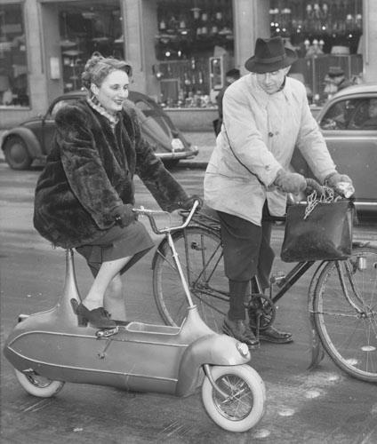 VELOCIPEDE~1952