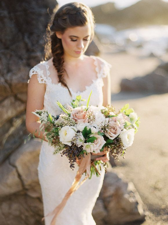 Seaside Wedding Inspiration with Natural Textures | Wedding Sparrow | Jeremiah & Rachel Photography