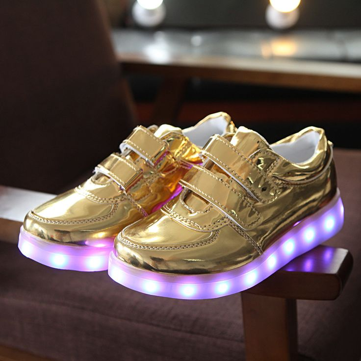 Yeafey Rechargeable Luminous Illuminated Glowing Sneakers