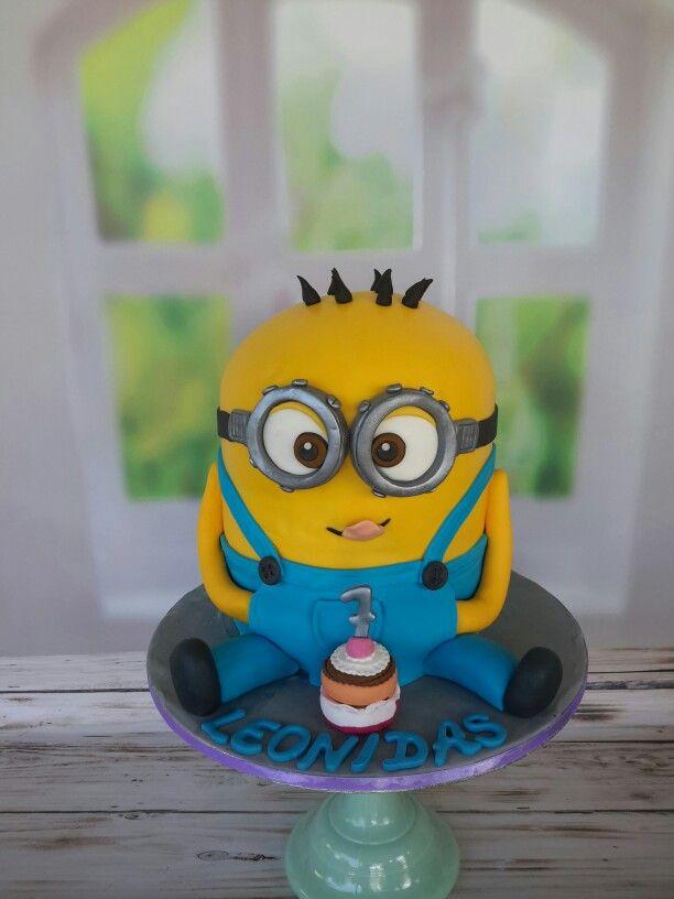 Minion cake @macachoux. Facebook