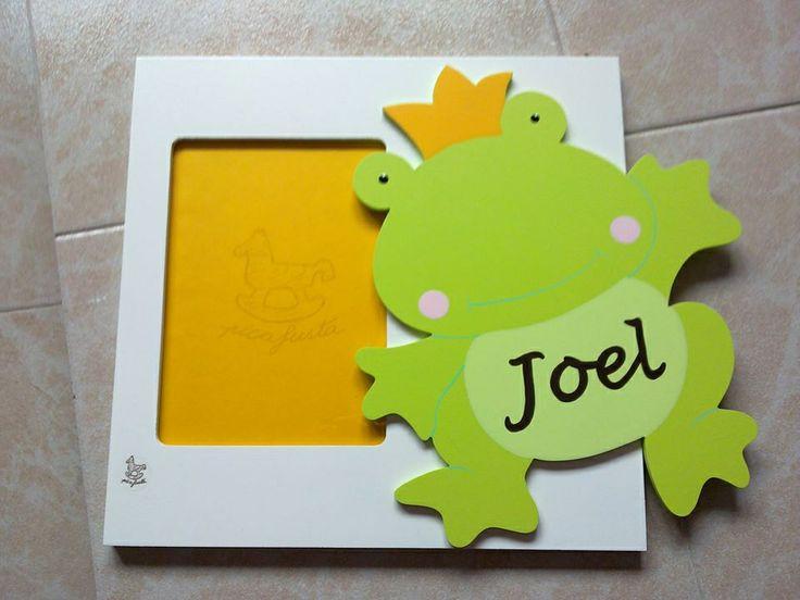 Porta fotos de pared personalizado de Picafusta.  http://afanderivera.wordpress.com/productos-2/picafusta/