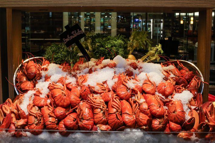 J65 Lobster Buffet