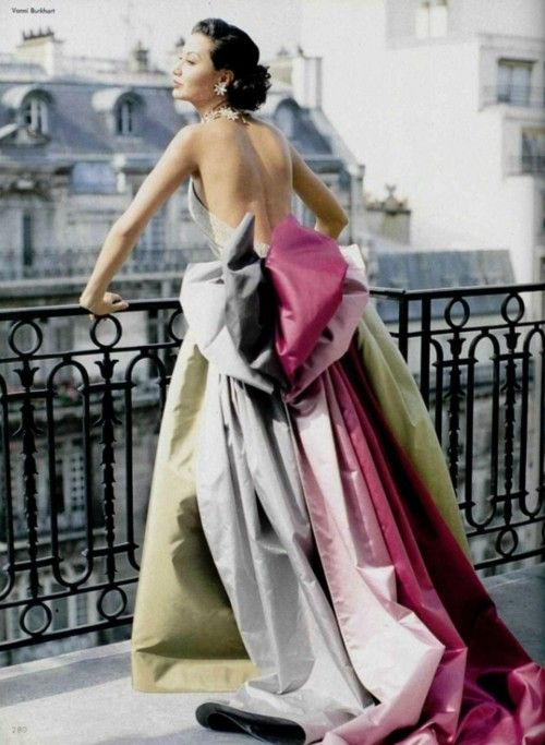 Couture gown worthy of a fairytale - Vintage Paris 1950s